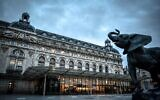 This photograph taken on October 29, 2020 shows the empty entrance of the Musee d'Orsay in Paris at its closing time, ahead of a second national general lockdown from October 30 to December 1, aimed at curbing the spread of Covid-19 (STEPHANE DE SAKUTIN / AFP)