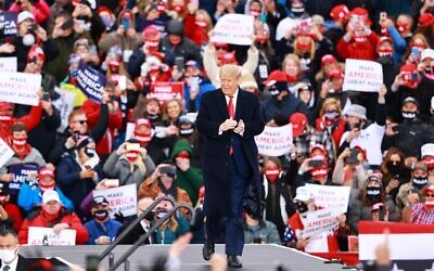US President Donald Trump arrives for a campaign rally on October 17, 2020 in Muskegon, Michigan (Rey Del Rio/Getty Images/AFP)