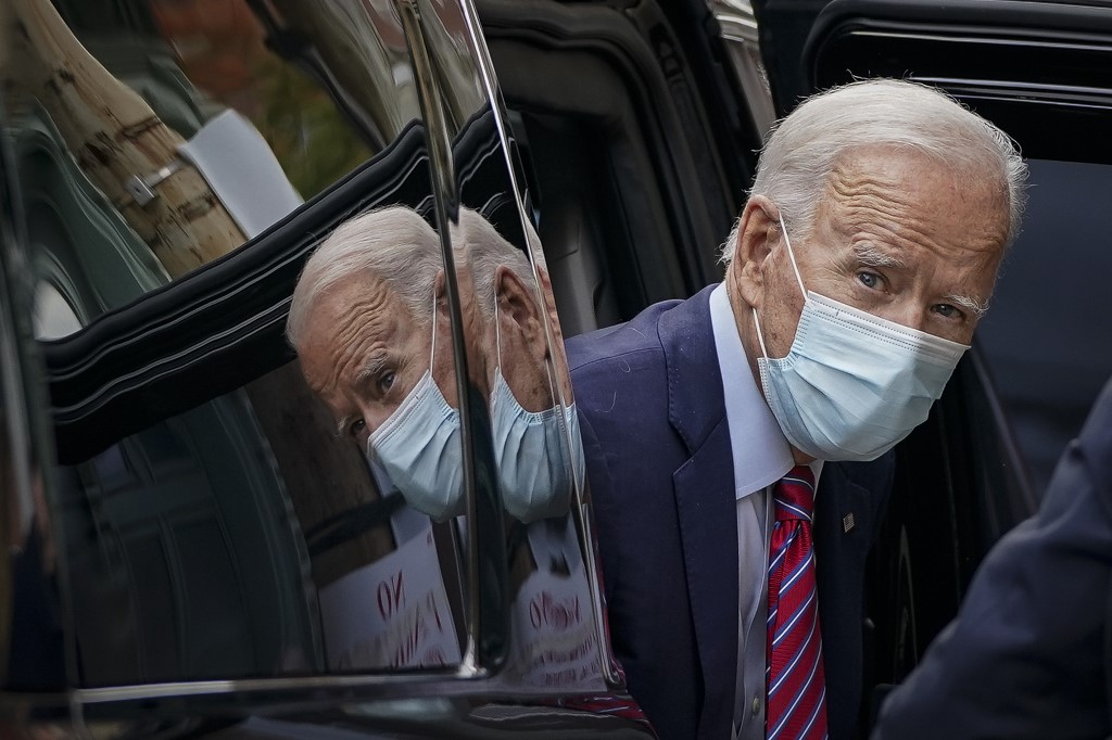 Trump, Biden hit battleground states as campaign enters last full week