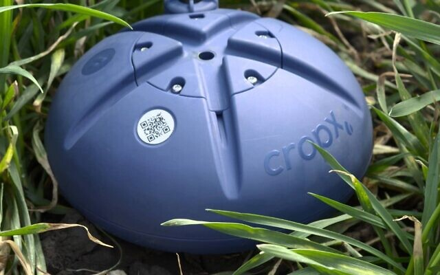 CropX sensors are installed in minutes and connect to the cloud to constantly monitor farmers' fields (CropX)