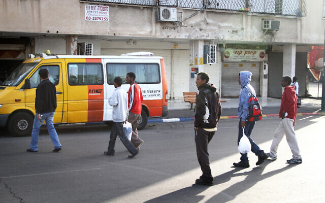File: Sudanese and Eritrean refugees in South Tel Aviv in 2011 (Nicky Kelvin/Flash90)