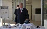 Prime Minister Benjamin Netanyahu taking a 15-minute coronavirus test, October 6, 2020. (Kobi Gideon / GPO)