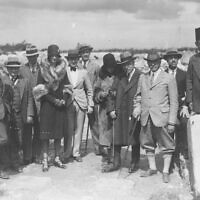 'Great Royal Visit,' March 8, 1929. L-to-r: P.L.O. Guy (above), A. Murray Dryer, David Rockefeller, Geoffrey Shpton, Mary 'Tod' Clarck, Edward DeLoach, Robert Lamon, Abby Rockefeller, John D. Rockefeller, Jr., James Henry Breasted, Harry Parker, unidentified fez-wearer. (courtesy Oriental Institute of the University of Chicago)