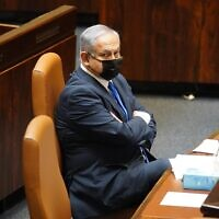 Prime Minister Benjamin Netanyahu in the Knesset plenum on October 19, 2020. (Shmulik Grossman/Knesset Spokesperson's Office)