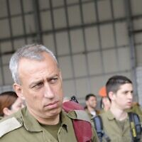Nachman Ash at a welcoming ceremony for an Israeli military delegation in Japan on April 12, 2011. (IDF spokesperson)