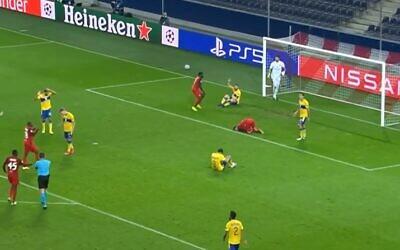 Austria's Salzburg plays Maccabi Tel Aviv in a Champions League playoff, September 30, 2020 (Screen grab)