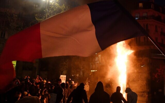 Protesters, police clash at Paris protest against police violence