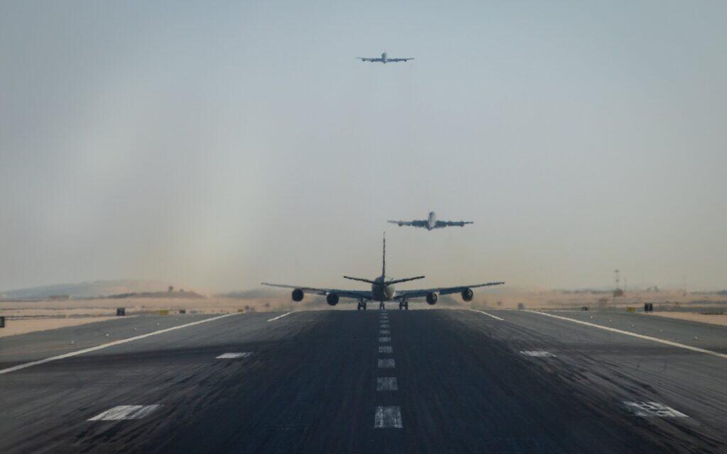 USA ... envoient des bombardiers lourds au M.O. via Israël pour menacer l'Iran. 127015334_10164571654390215_7098092434410309916_o-1024x640