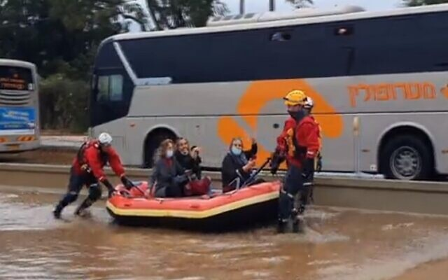 Three women rescued by firefighters in Herzliya November 26, 2020. (Screenshot: Mako)