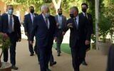 Palestinian Authority President Mahmoud Abbas meets with Jordanian King Abdullah II on November 29, 2020. (WAFA)
