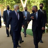 Palestinian Authority President Mahmoud Abbas meets with Jordanian King Abdullah II on November 29, 2020. (WAFA)
