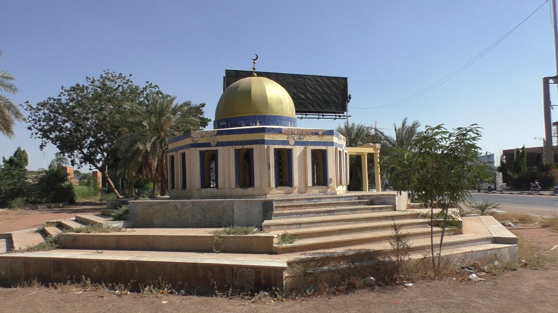 A model of the Dome of the Rock in Khartoum, Sudan, November 2020. (Ziv Genesove)