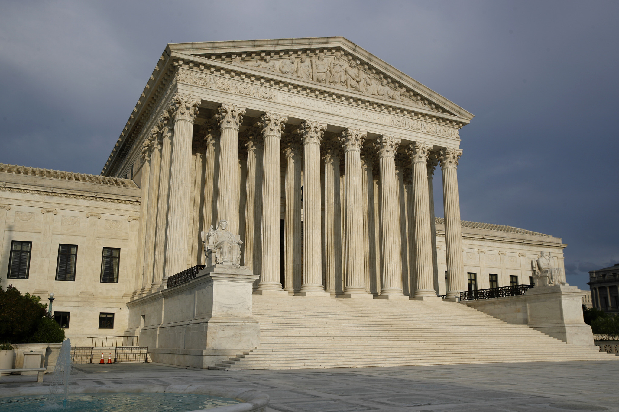 Supreme Court bars coronavirus restrictions at some NY houses of worship
