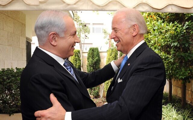 Prime Minister Benjamin Netanyahu (left) with US Vice President Joe Biden in Jerusalem, 2010 (Avi Ohayun/GPO)