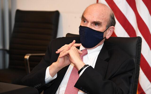 US Special Representative for Iran and Venezuela Elliott Abrams speaks to Israeli reporters in Tel Aviv, November 9, 2020. (David Azagury/US Embassy Jerusalem)