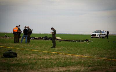 The site of a plane crash in which two Israeli soldiers were killed near Kibbutz Mishmar Hanegev in southern Israel on November 24, 2020. (Dudu Greenspan/Flash90)