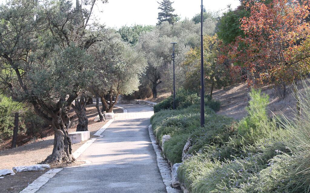 Jerusalem's Goldman walkway, part of the Armon Hanatziv Promenade. (Shmuel Bar-Am)