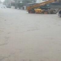 Flooding on a street in Wada Ara, November 20, 2020. (Screen capture: Channel 12 news)