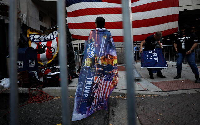 Supporters of US President Donald Trump protest outside the Pennsylvania Convention Center as vote counting continues, in Philadelphia, November 9, 2020. (AP Photo/Rebecca Blackwell)