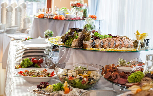 Illustrative photo of a banquet buffet. (KatarzynaBialasiewicz, istockphoto, Getty Images)