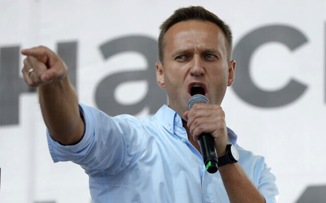Russian opposition activist Alexei Navalny gestures while speaking to a crowd during a political protest in Moscow, Russia, July 20, 2019. (Pavel Golovkin/AP)