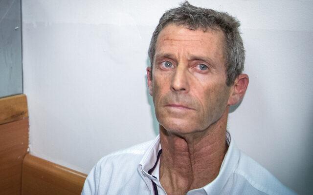 Israeli tycoon Beny Steinmetz seen at the Rishon Lezion Magistrate's Court, August 14, 2017. (Flash90)