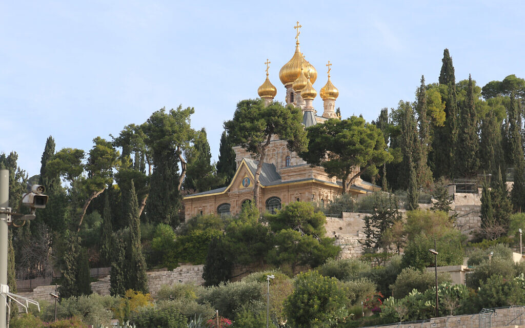The Church of St. Mary Magdalene was built by Russia's Alexander III and completed in 1888. (Shmuel Bar-Am)