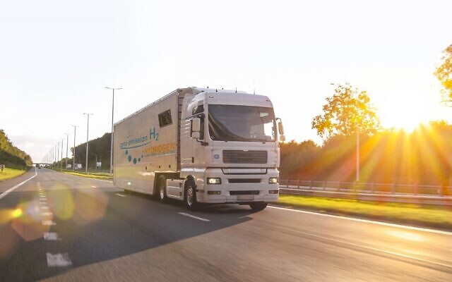 A hydrogen fueled truck on the road. (audioundwerbung, at iStock by Getty Images)