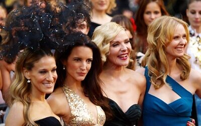 (From L) US actress Sarah Jessica-Parker, US actress Kristin Davis, English actress Kim Cattrall and US actress Cynthia Nixon pose as they arrive at the UK premiere of 'Sex and the City 2' in London, on May 27, 2010 (MAX NASH / AFP)