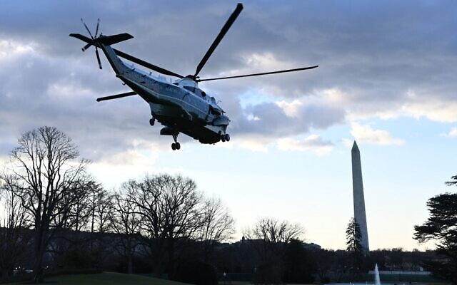 Marine One with US President Donald Trump and First Lady Melania Trump departs the White House in Washington, DC, on January 20, 2021 (MANDEL NGAN / AFP)