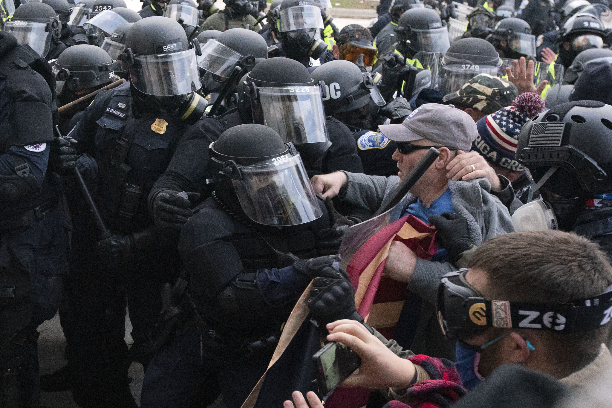 Video shows Capitol Police cop getting crushed by protesters
