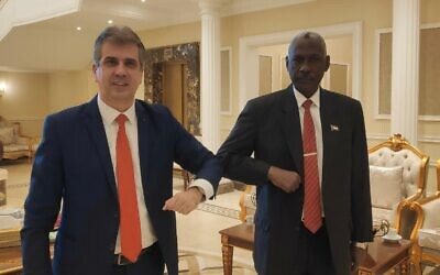 Israeli Intelligence Minister Eli Cohen (L) meets with Sudanese Defense Minister Yassin Ibrahim in Khartoum on January 25, 2021 (Courtesy)