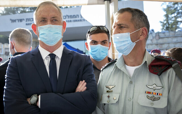 Defense Minister Benny Gantz (L) and IDF Chief of Staff Lt. Gen. Aviv Kohavi in Jerusalem on July 2, 2020. (Olivier Fitoussi/Flash90)
