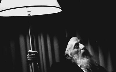 Rabbi Abraham J. Twerski, Hasidic rabbi and psychiatrist specializing in substance abuse, June 19, 1990, (Steve Christo/ Fairfax Media via Getty Images/ JTA)
