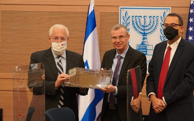 In this January 11, 2021 photo, US Ambassador to Israel David Friedman (L), Knesset Speaker Yariv Levin (C), and MK Zvi Hauser (R) attend a farewell meeting for the outgoing envoy in the Knesset. (Dani Shem Tov/Knesset Spokesperson)