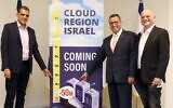 Alon Ben Zur, CEO, Bynet Data Communications, left to right, Moshe Leon, Mayor of Jerusalem, and Uzi Navon, Oracle Israel Country Leader (Ezra Levy)
