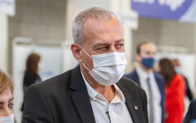 Israel's coronavirus czar Prof. Nachman Ash at a vaccination center in Herzliya, December 20, 2020 (Flash90)