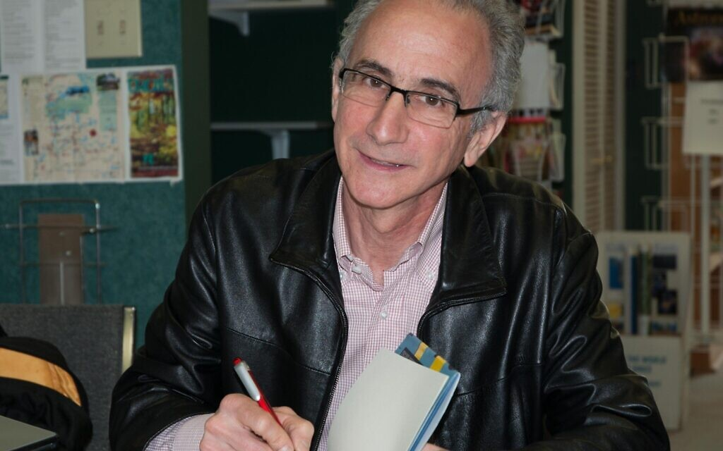 Robert Rotenberg at the launch of his first book, 'Old City Hall,' in Toronto, March 2009. (Photo by Ted Feld)
