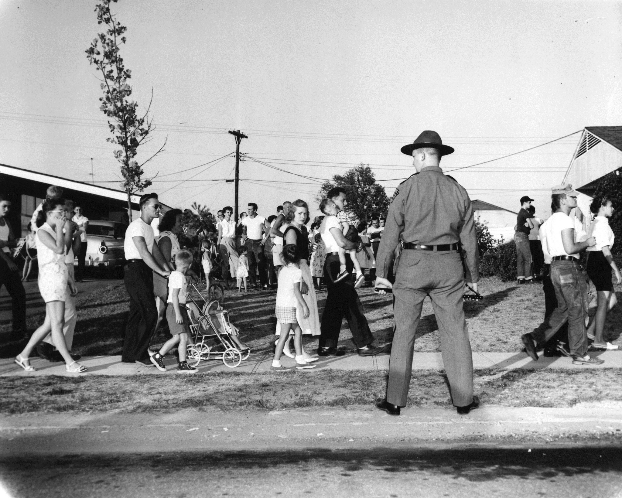 'Crisis' in Levittown, Pennsylvania, when the Black Meyers family moved to town, August 1957 (public domain)