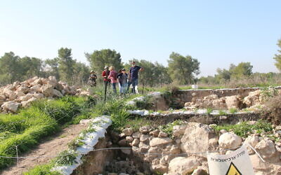 At the site of the Ziklag dig with Saar Ganor. (Shmuel Bar-Am)