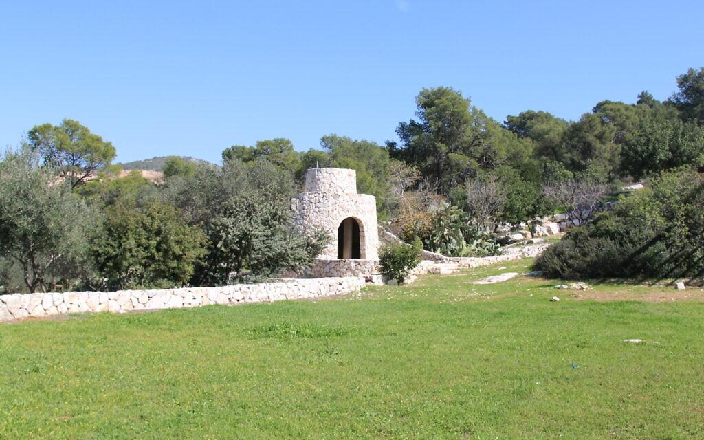 A restored shomera watchtower at the The Gladys Miller Recreation Center. (Shmuel Bar-Am)