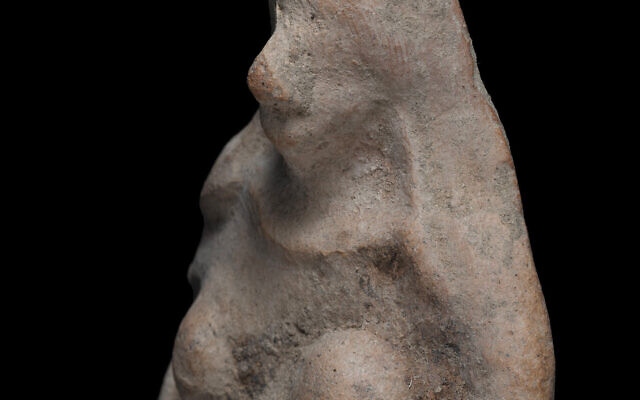 The 2,500-year-old figurine found by an 11-year-old boy (Yevgeny Ostrovsky, Israel Antiquities Authority)