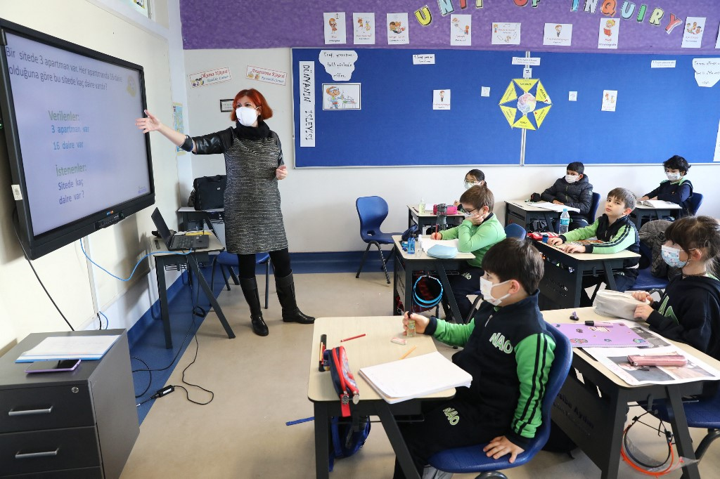 Monitoring group: School textbooks in Turkey call Jews and Christians 'infidels'