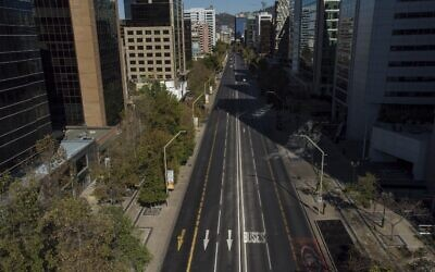 Aerial view of Santiago in lockdown, on March 27, 2021, amid the COVID-19 pandemic (MARTIN BERNETTI / AFP)