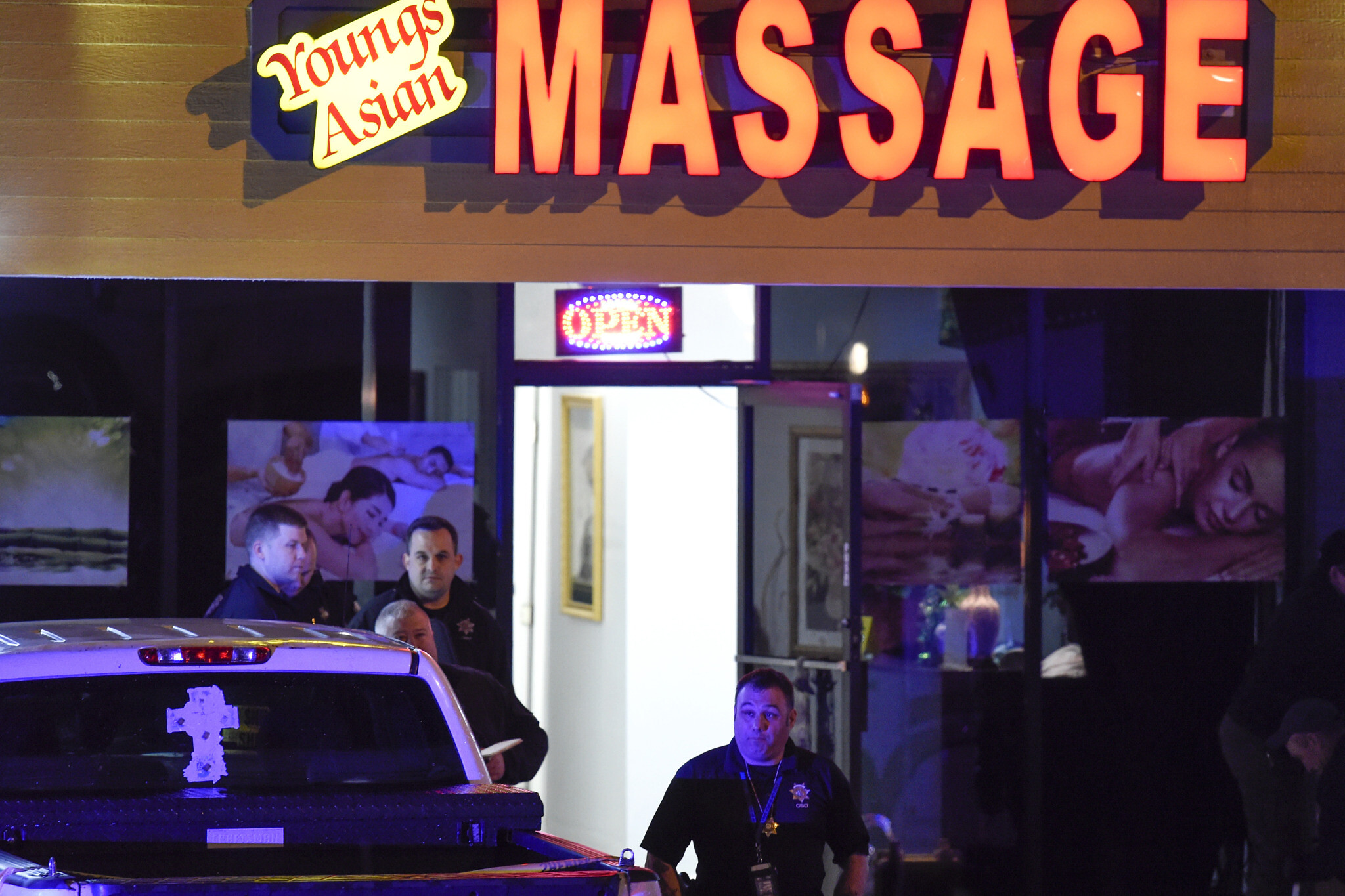 Eight killed, one arrested after three massage parlours shot up in US