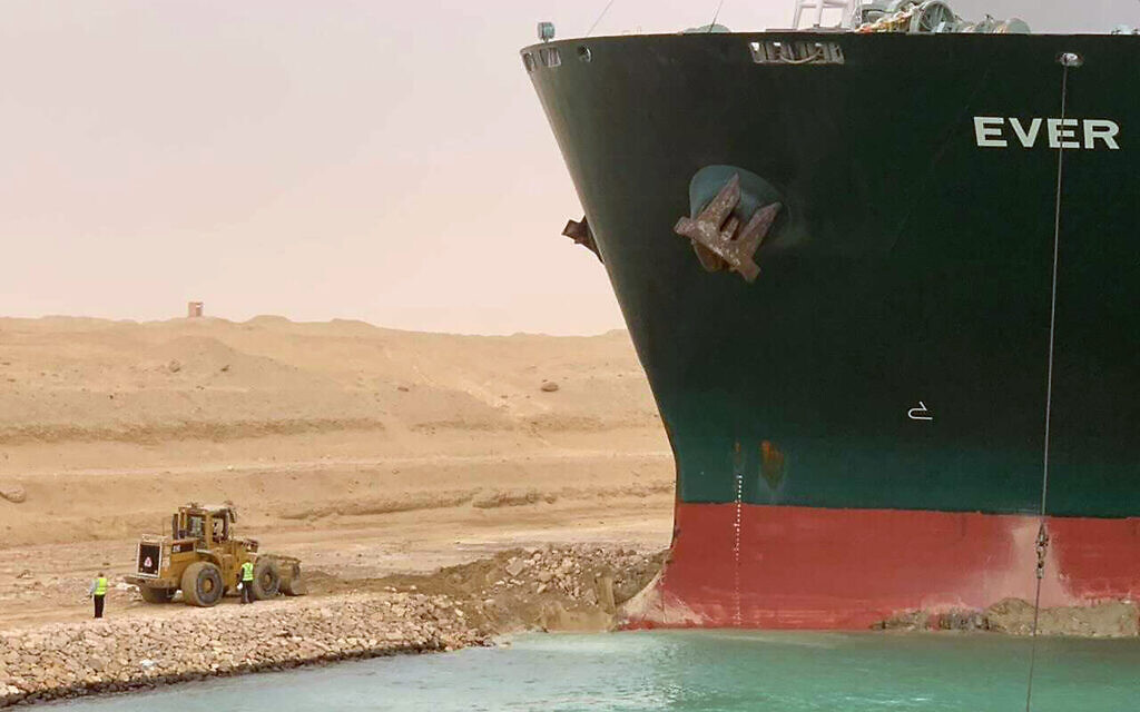 Another attempt to revive megaship prevents Egypt's Suez Canal from failing