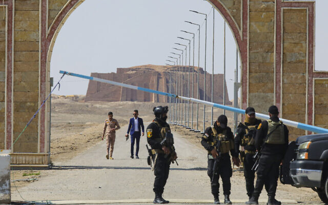 Iraqi security forces stand guard near the ancient city of Ur, during preparations for Pope Francis' visit near Nasiriyah, Iraq, Friday, March 5, 2021 (AP Photo/Nabil al-Jourani)