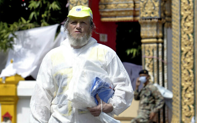 In this Jan. 5, 2005 file photo, Yehuda Meshi-Zahav, head of Israel's renowned ZAKA rescue service, arrives at the Yan Yao Buddhist temple in Takuapa, Thailand (AP Photo/Richard Vogel, File)