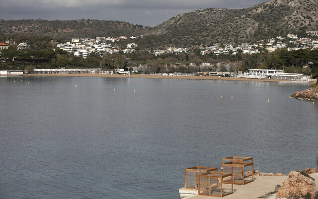 Illustrative: An empty hotel beach near Athens, March 20, 2021. (AP Photo/Yorgos Karahalis)