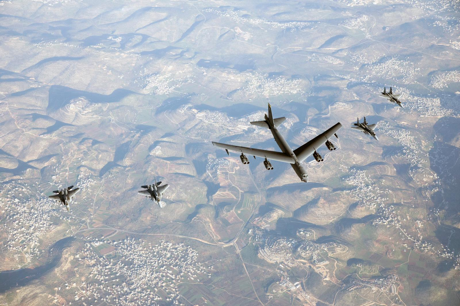 Israeli jets escort American B-52 during flyby, in show of force to Iran